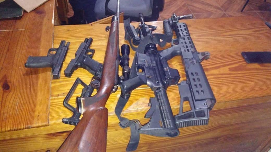 Qui sont ces sept individus arrêtés avec l'ancien député Arnel Bélizaire en possession d'un arsenal armes de guerre ? 4