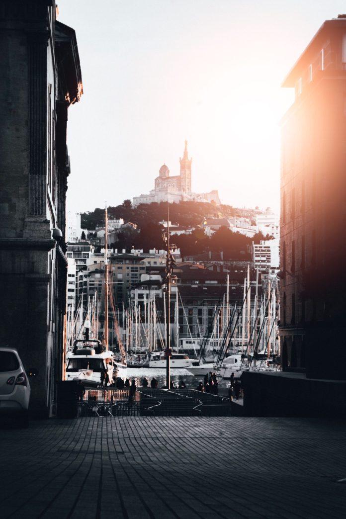 Lumière photo créé par wirestock - fr.freepik.com