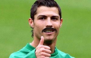 Cristiano avec moustache