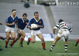 La moustache classique en rugby