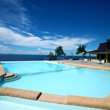 Lemlunay's Beautiful Infinity Pool