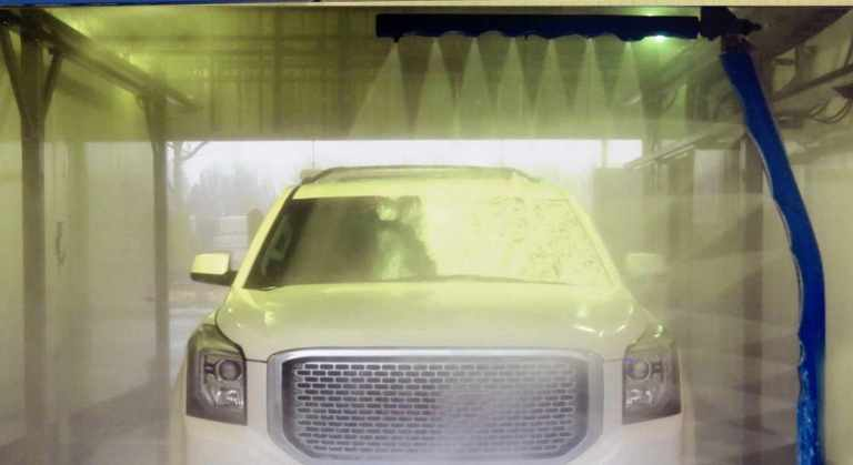 Touchless Automatic car wash