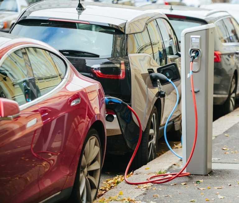 Electronic vehicles charging station on Google Maps