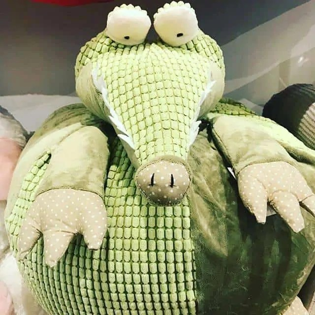 Alligator Accent Cushion