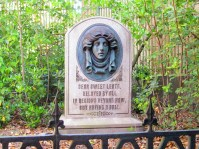 MK-dame-leota-haunted-mansion