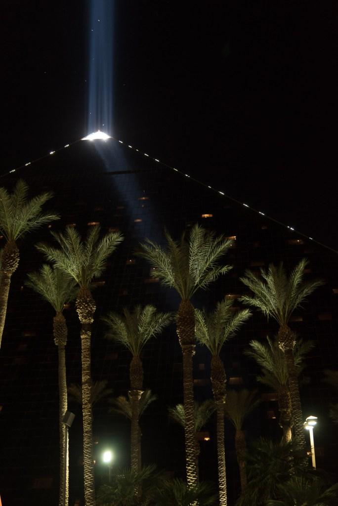 Pyramide de Vegas. Petite touche originale