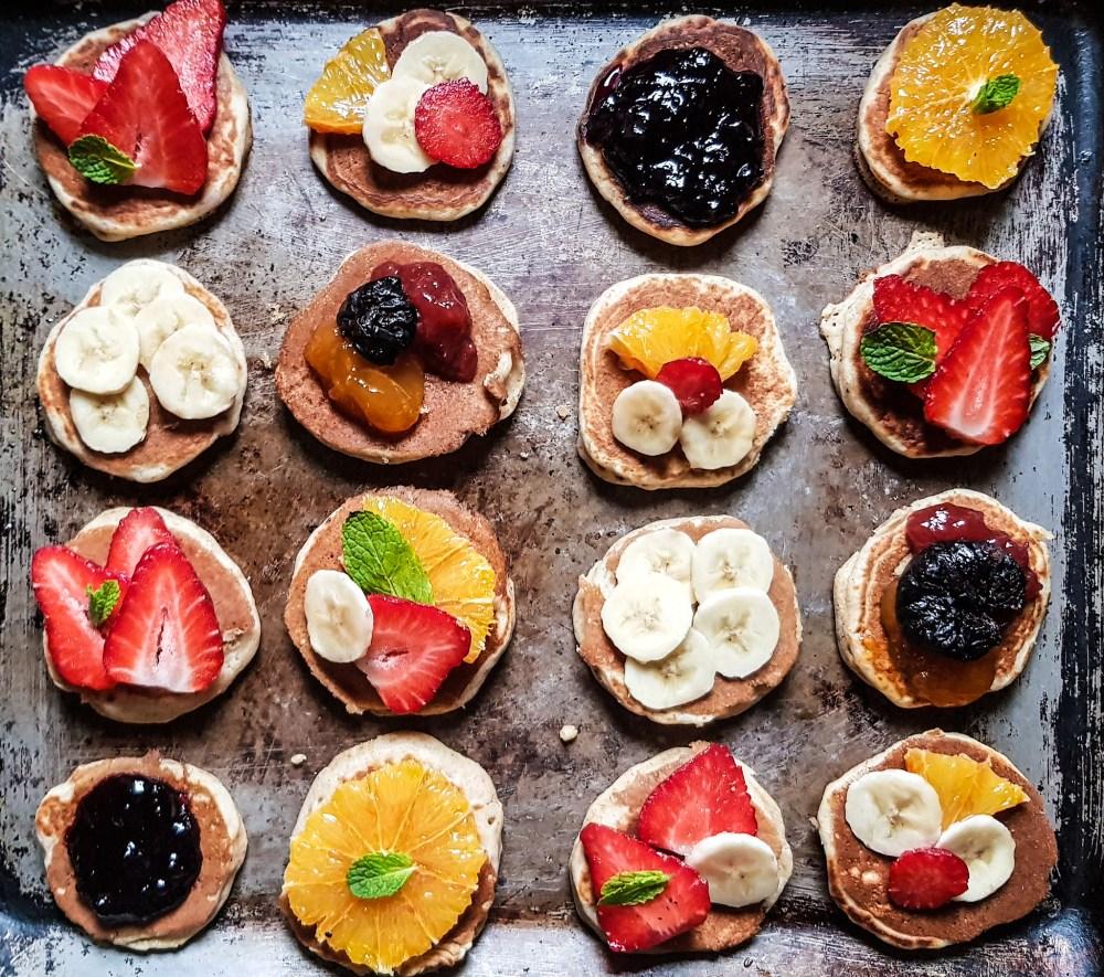 mini fluffy pancakes