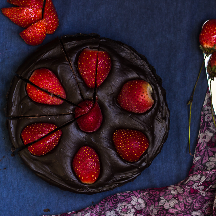 No Bake Chocolate Strawberry Tart
