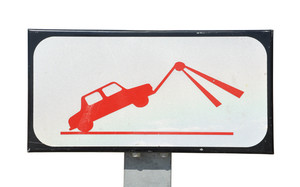 Tow sign