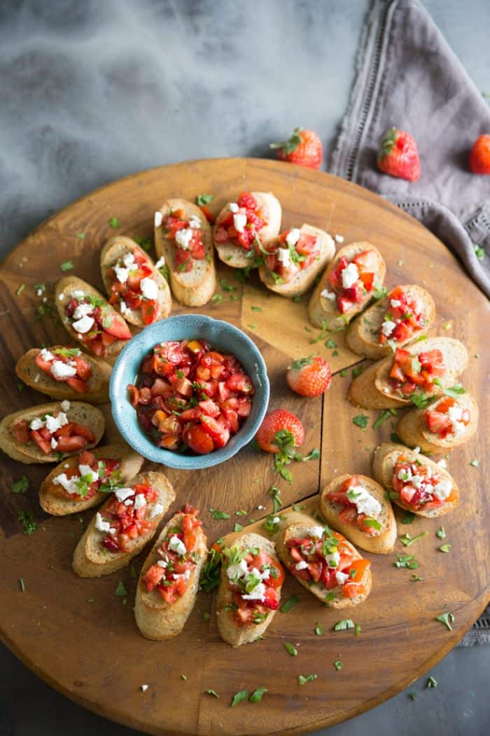 bruschetta recipe breads with sauce in the middle