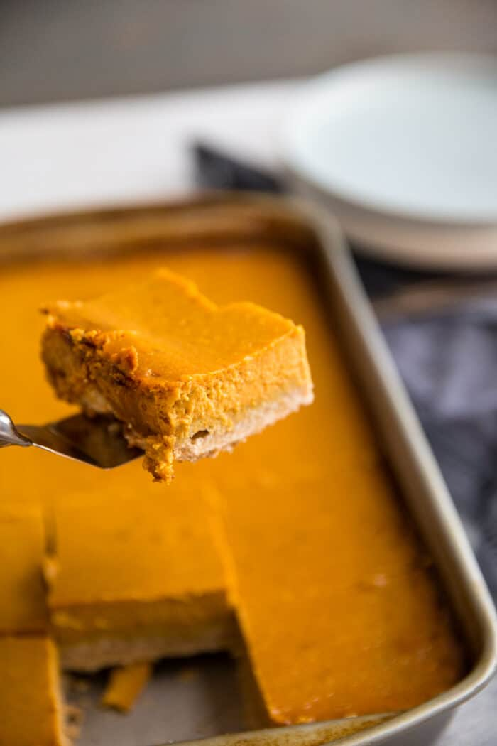 pumpkin pie bar served