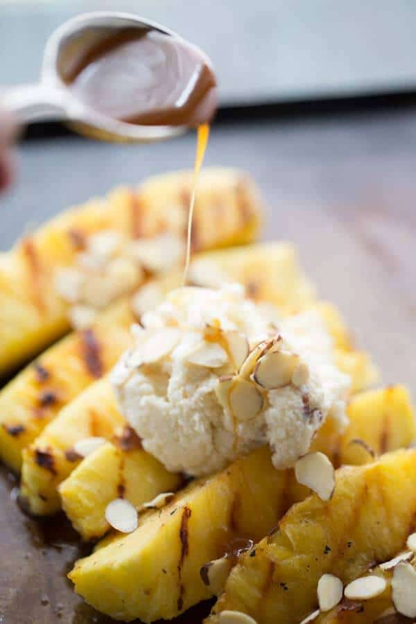 This easy grilled pineapple recipe is a wonderful no-bake dessert alternative! lemonsforlulu.com