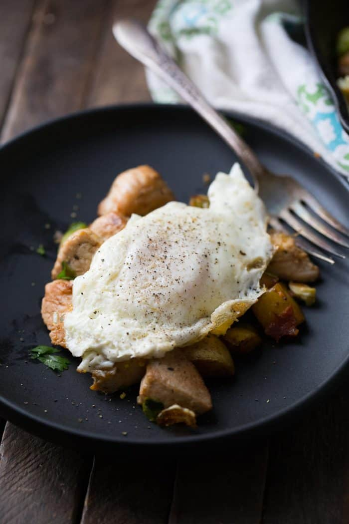 Some days find you without any dinner ideas. This turkey hash is the best solution! You can try any meat and any vegetable!