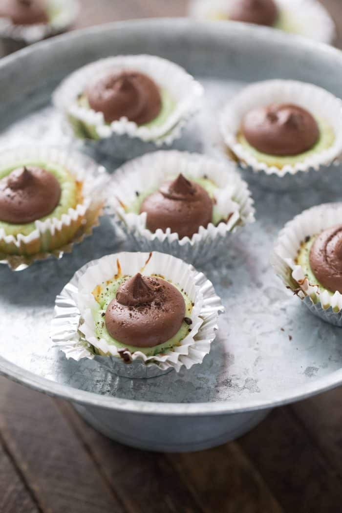 If you love mint then you have to try these mint mini cheesecakes! Don't forget the fudge frosting!