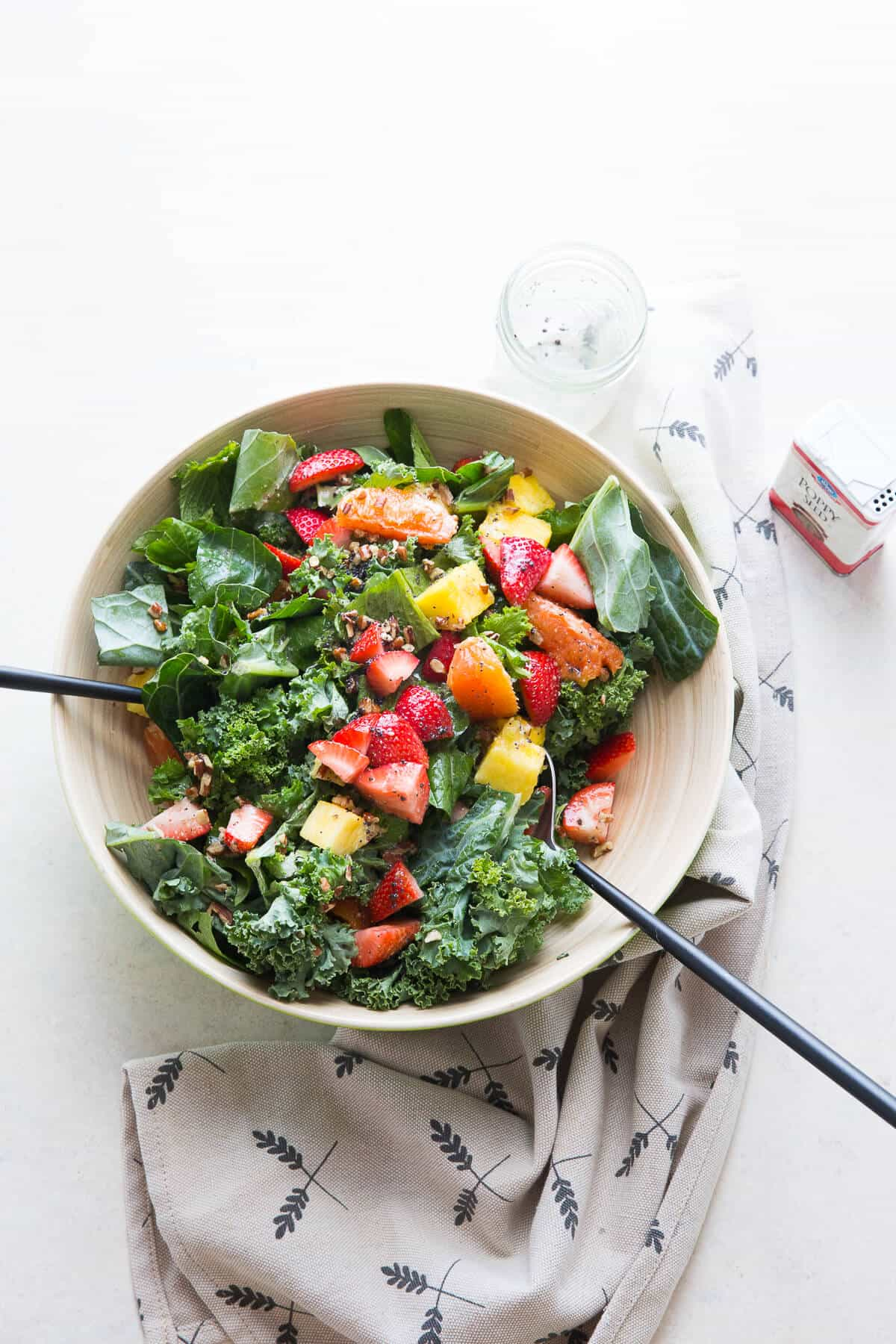 This citrus salad features juicy, fresh fruit and lots of greens! It is fresh and delicious!