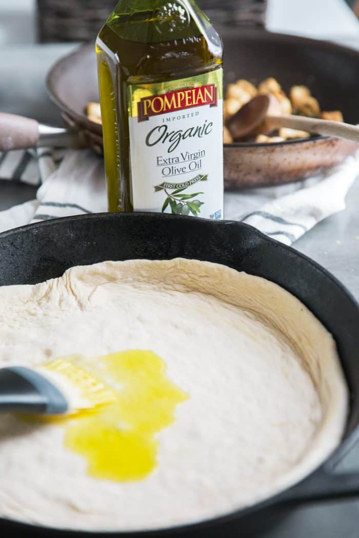Skillet pizza with olive oil