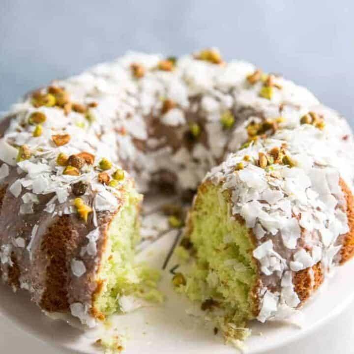pistachio cake cut