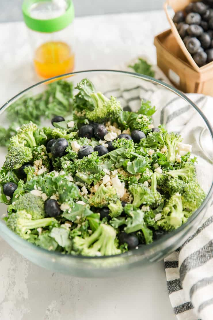 quinoa salad with kale and blueberries
