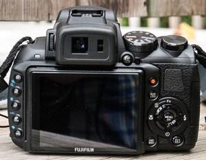 Le dos du Fujifilm HS30EXR