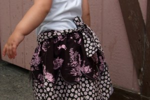 Scalloped Skirt Tutorial (Sew Through the Decades Challenge, Week One)