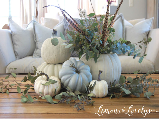 Fall vignette. Tap to see more pictures on the blog www.lemonstolovelys.blogspot.com