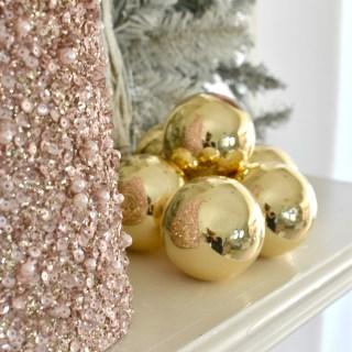 Decorating Tips for the Holidays www.lemonstolovelys.com