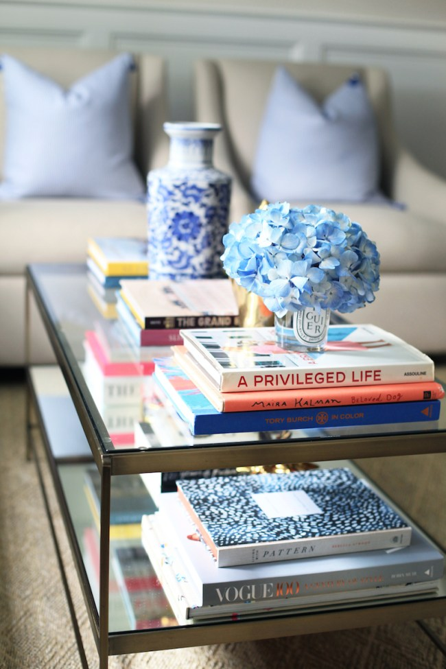 how-to-decorate-with-books