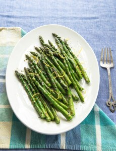 Asparagus and Seared chicken skewers with rosemary recipe