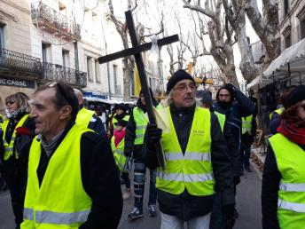 Uzès rue croix acte8