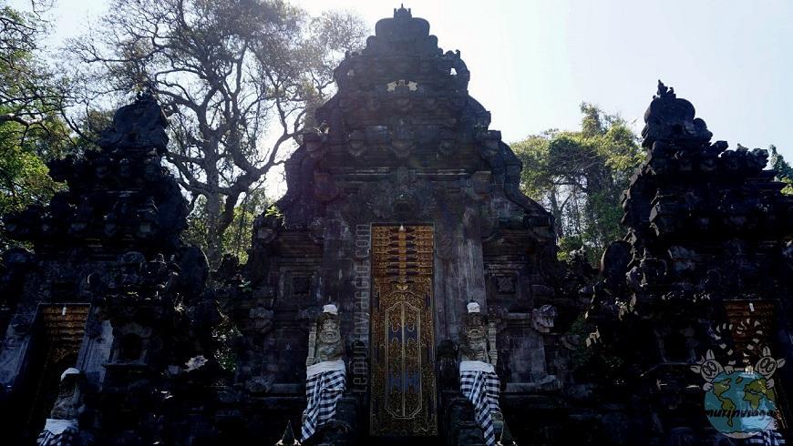 Tempio Goa Lawah di Bali