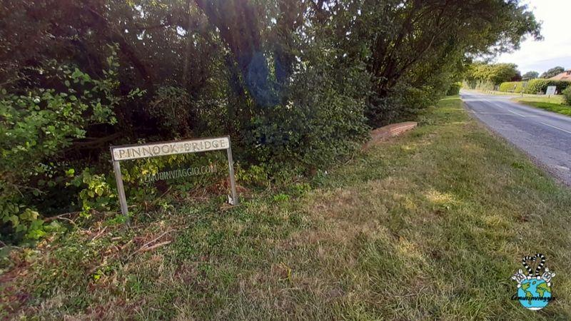Pinnock bridge il ponticello di Pluckley infestato dal fantasma di una donna morta proprio in quel punto.