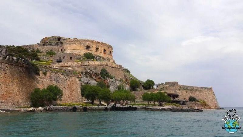 esplorazione dell'isola fortezza di Spinalonga a Creta