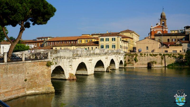 Storia e leggenda del ponte del diavolo a Rimini