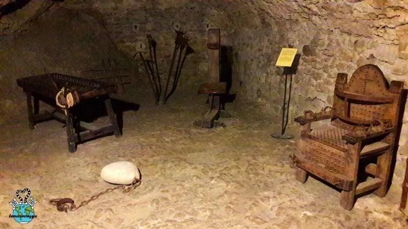 sala delle torture nella fortezza di San Leo in Emilia Romagna