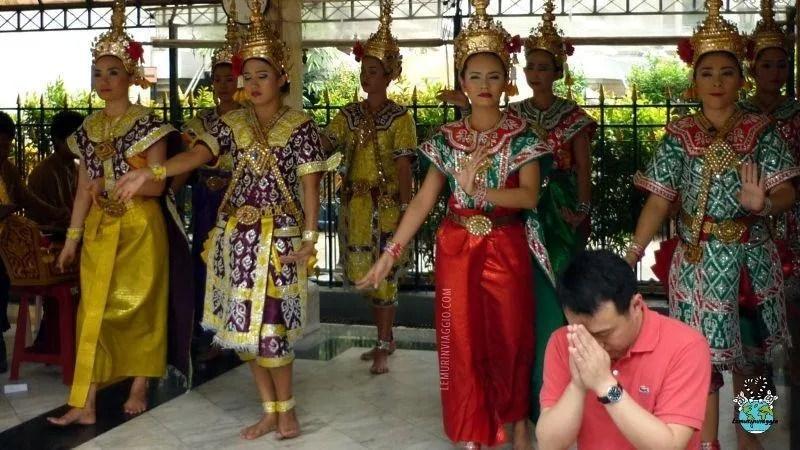 Le danze accompagnano i fedeli nell'esprimere un desiderio