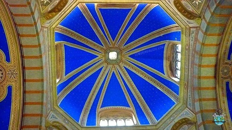 Cappella del Famedio all'ingresso del cimitero monumentale di Milano