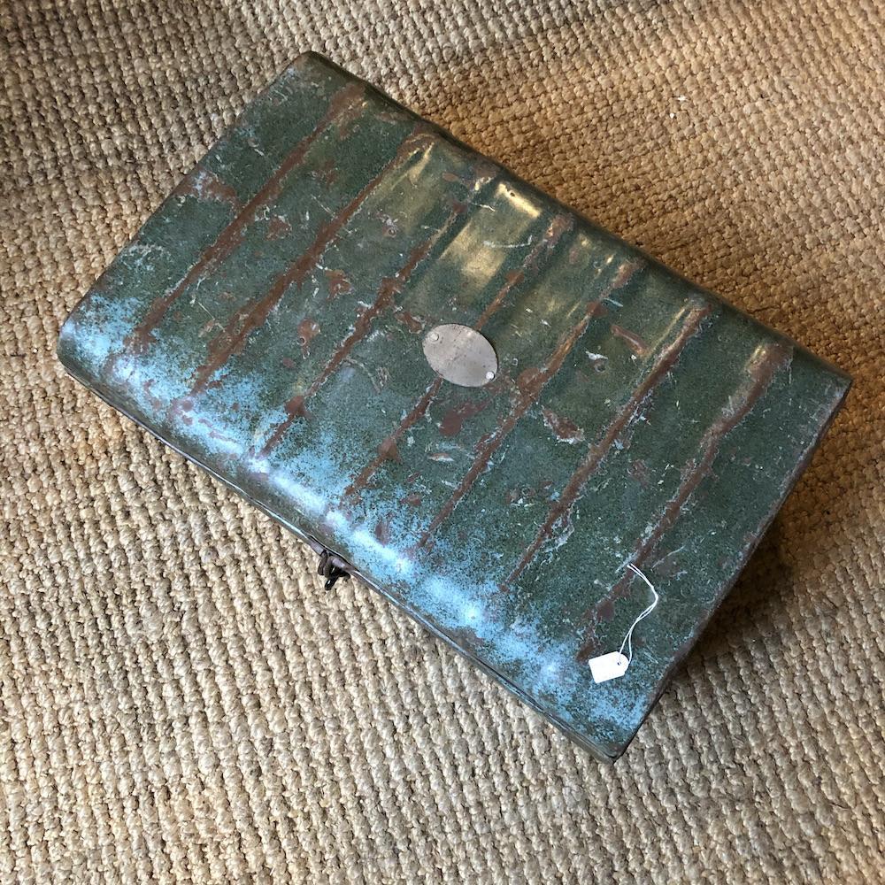 valigia vintage verde salvia