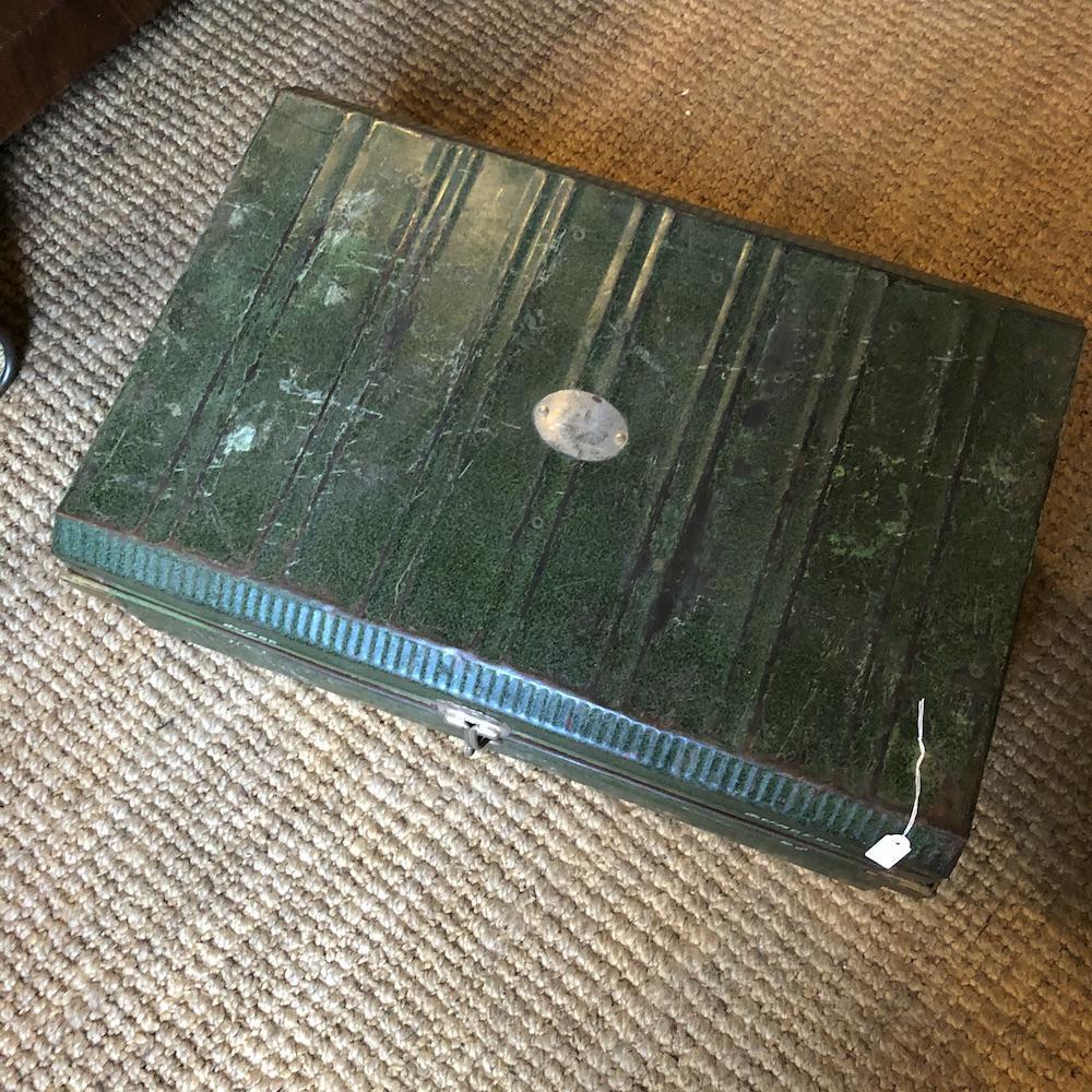 valigia vintage verde militare