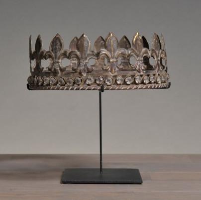 corona con gioielli