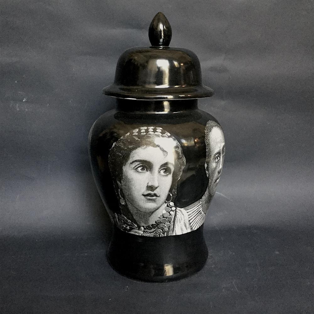 vaso porcellana nero Africa
