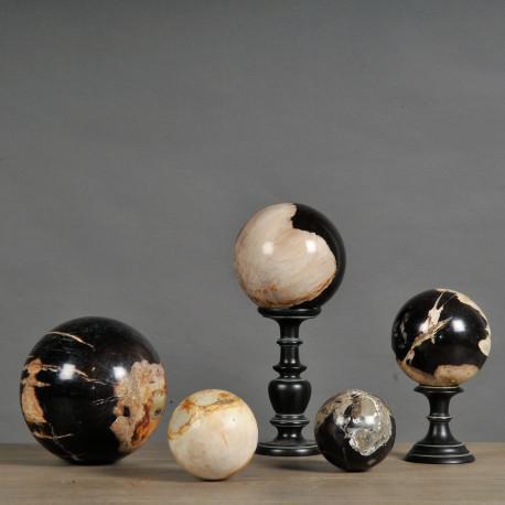 sfere legno pietrificato