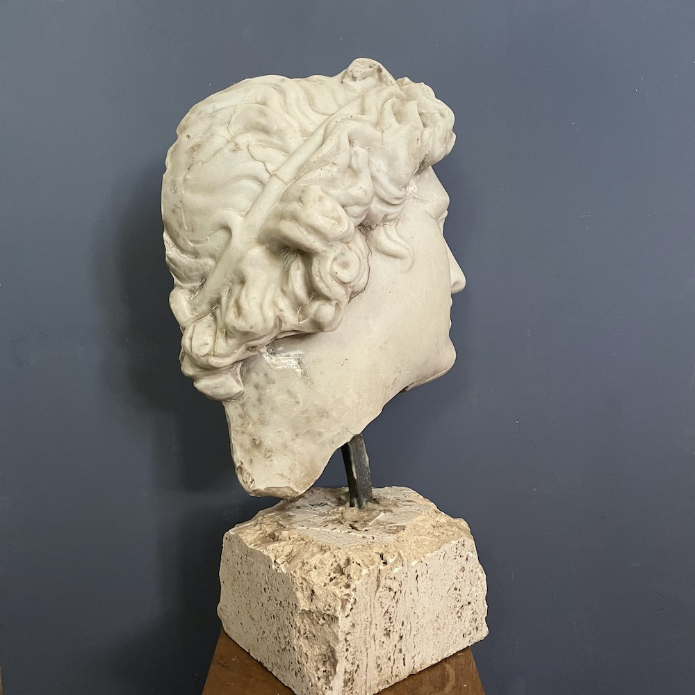 profilo scultura classica