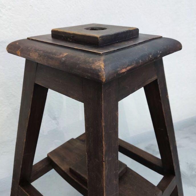 sgabello legno portaombrellone