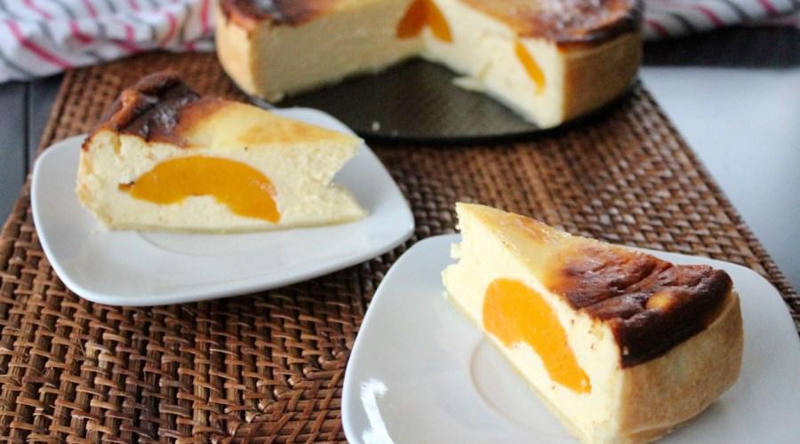Käsekuchen mit Frischkäse und Pfirsichen
