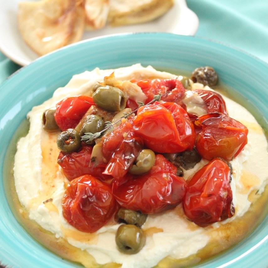 Cremiger Feta-Dip mit gerösteten tomaten