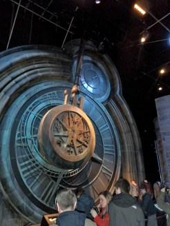 große Uhr