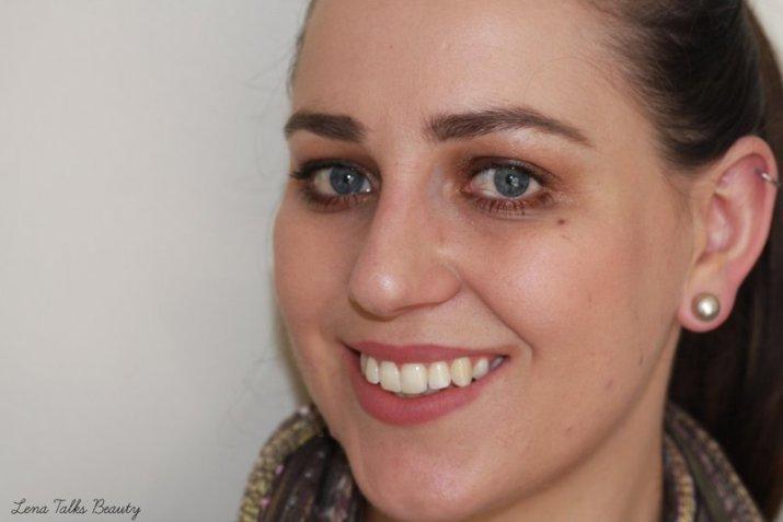 Lena Talks Beauty - Za perfect action mascara and Essence satin mauve lip pencil