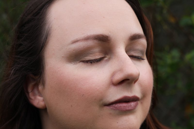 colourpop hightide eyeshadow and colourpop truth eyeshadow - lena talks beauty