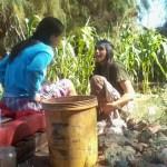 05 Mané, l´initiatrice de la communauté Aquí se celebra la Vida et guérisseuse au Kambô lenaventures