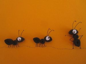 Source : http://www.etsy.com/fr/listing/112697375/piquants-de-fourmis-noires-sur-orange